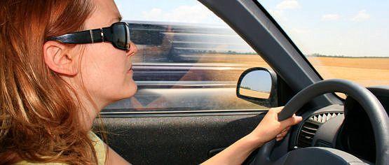 Cuida de tu piel cuando viajes en coche