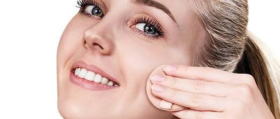 Fotoprotección con color en las pieles acnéicas para cubrir las imperfecciones, por la Dra. Cristina García Millan
