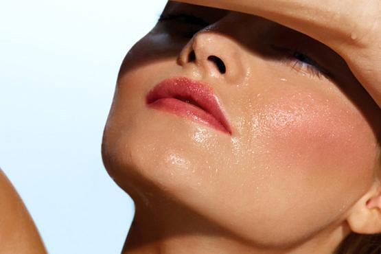 Rutina facial para la piel dañada por el sol