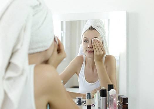 rutina-facial-dermatologa-ana-molina-silvia-capafons